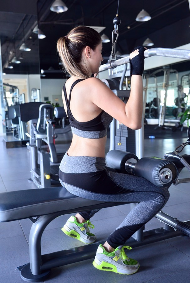 Women Gray Yoga pants Fitness High Waist Sports Wear Quick Dry Yoga Leggings