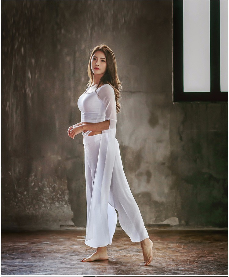 Woemn Yoga Wears with Sari Style Breathable Chiffon Soft Fabric Yoga Sets
